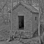 Date - 1991. Burdale Tunnel. Photo Ref 381.The hut just outside the portal on the northern end of Burdale tunnel. This still stands today©  Fishermandave